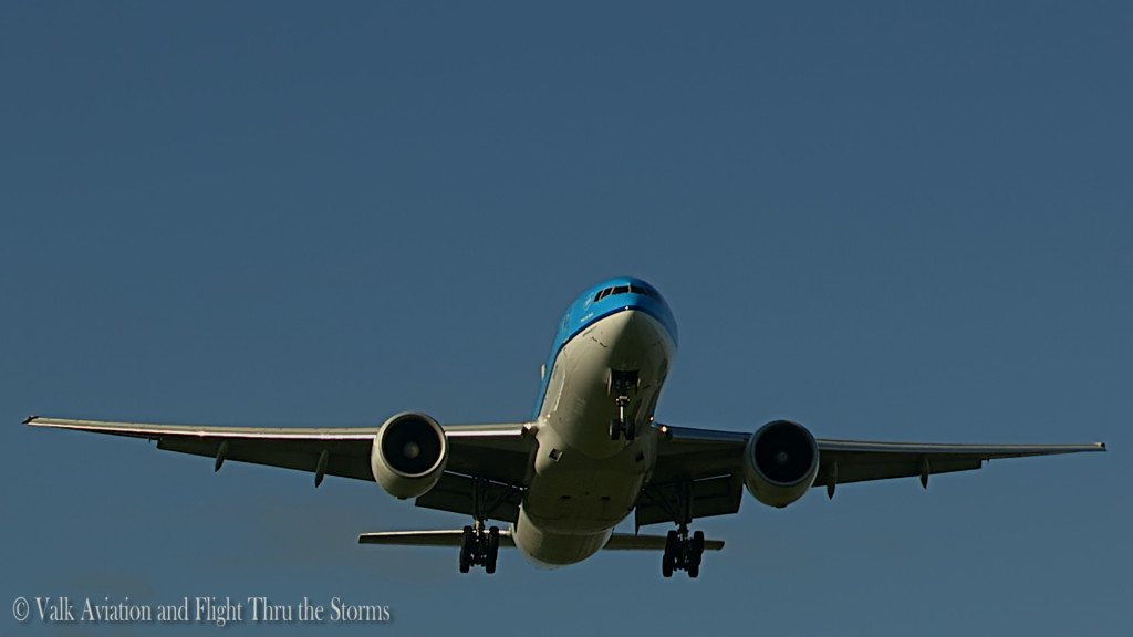 Last flight of Ron Engels @ Cpt KLM B777.Still014