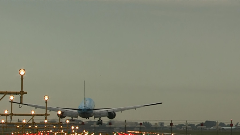 Last flight of Rutger Vossen @ KLM B777.Still026