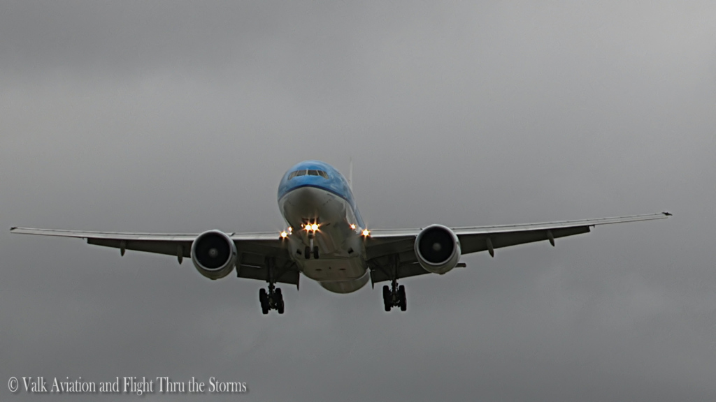 Last flight of Willem Hijmans @ KLM B777.Still016