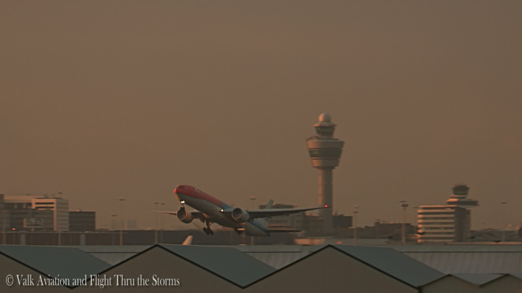 Orange pride @ KLM PH-BVA.Still002
