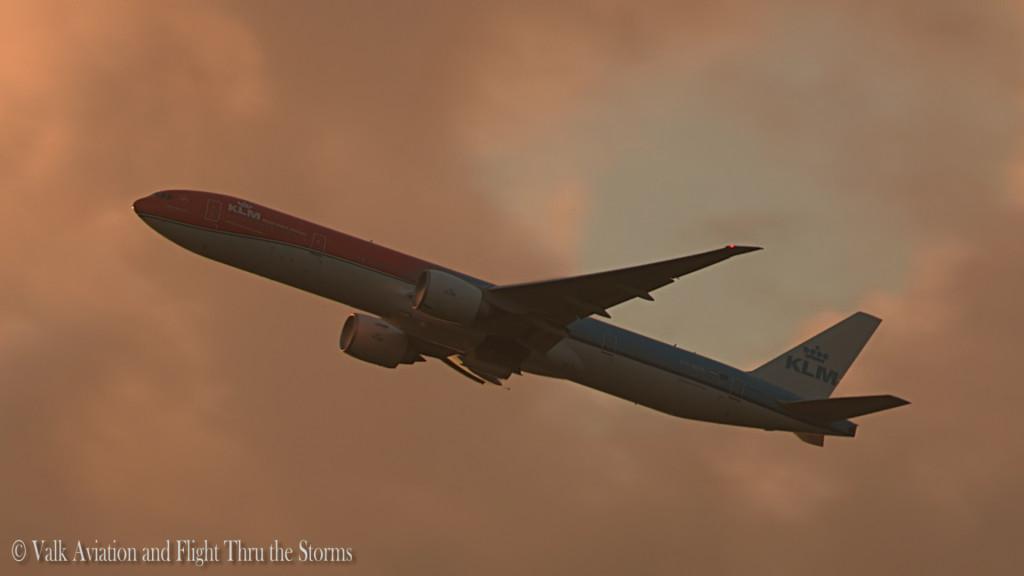 Orange pride @ KLM PH-BVA.Still006